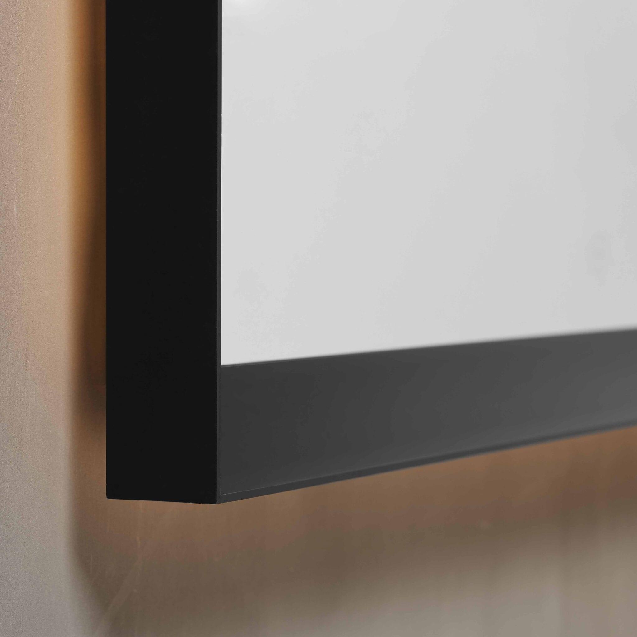 Verona baderomsspeil med sort ramme og lys 60