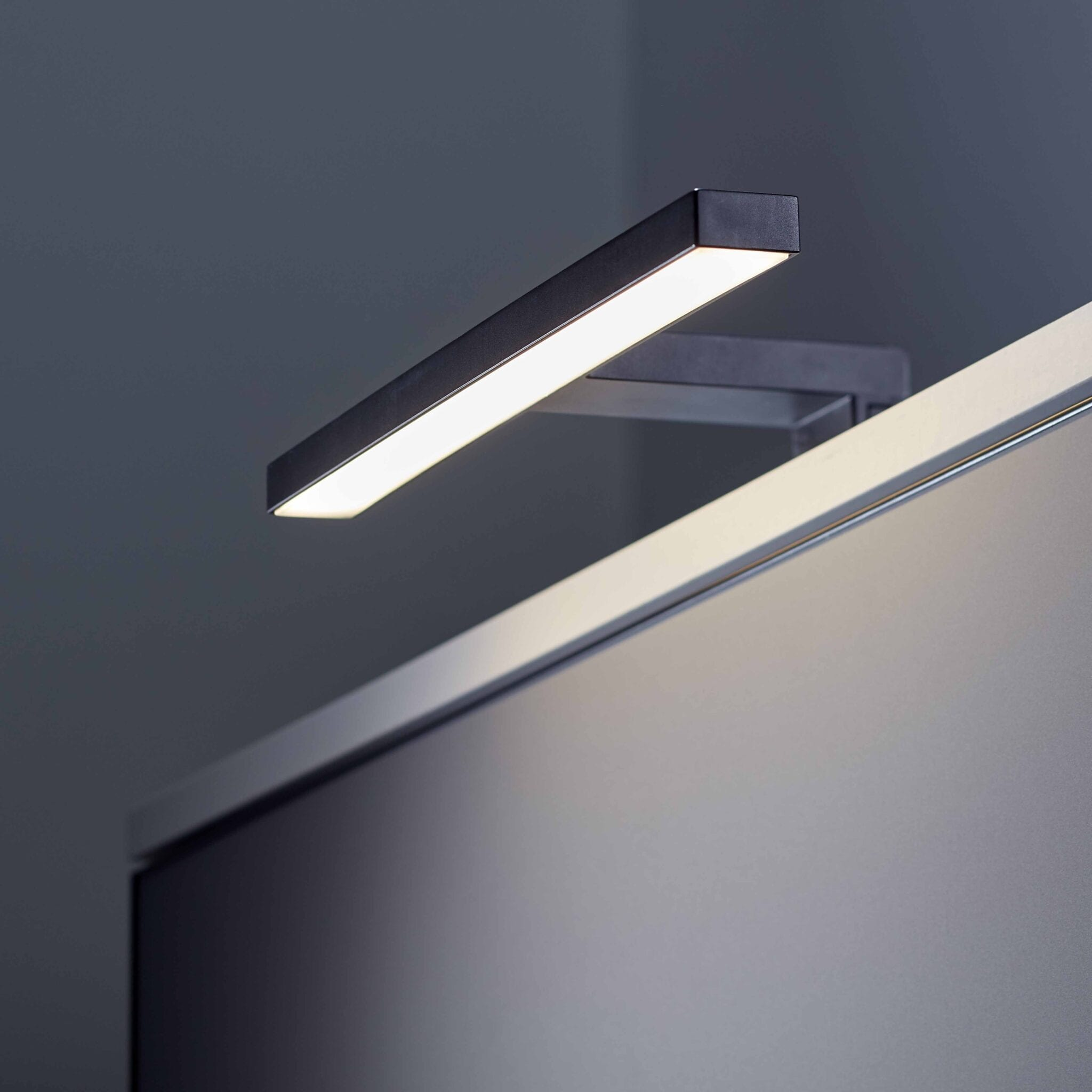 Lagan NextGen LED Speillampe Sort 300mm 4,4W